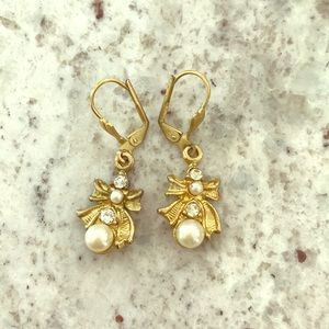 Jewelry - Gold Pearl Dangle Earrings